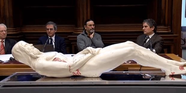 El hombre de la Sábana Santa no estaba muerto, según un estudio médico